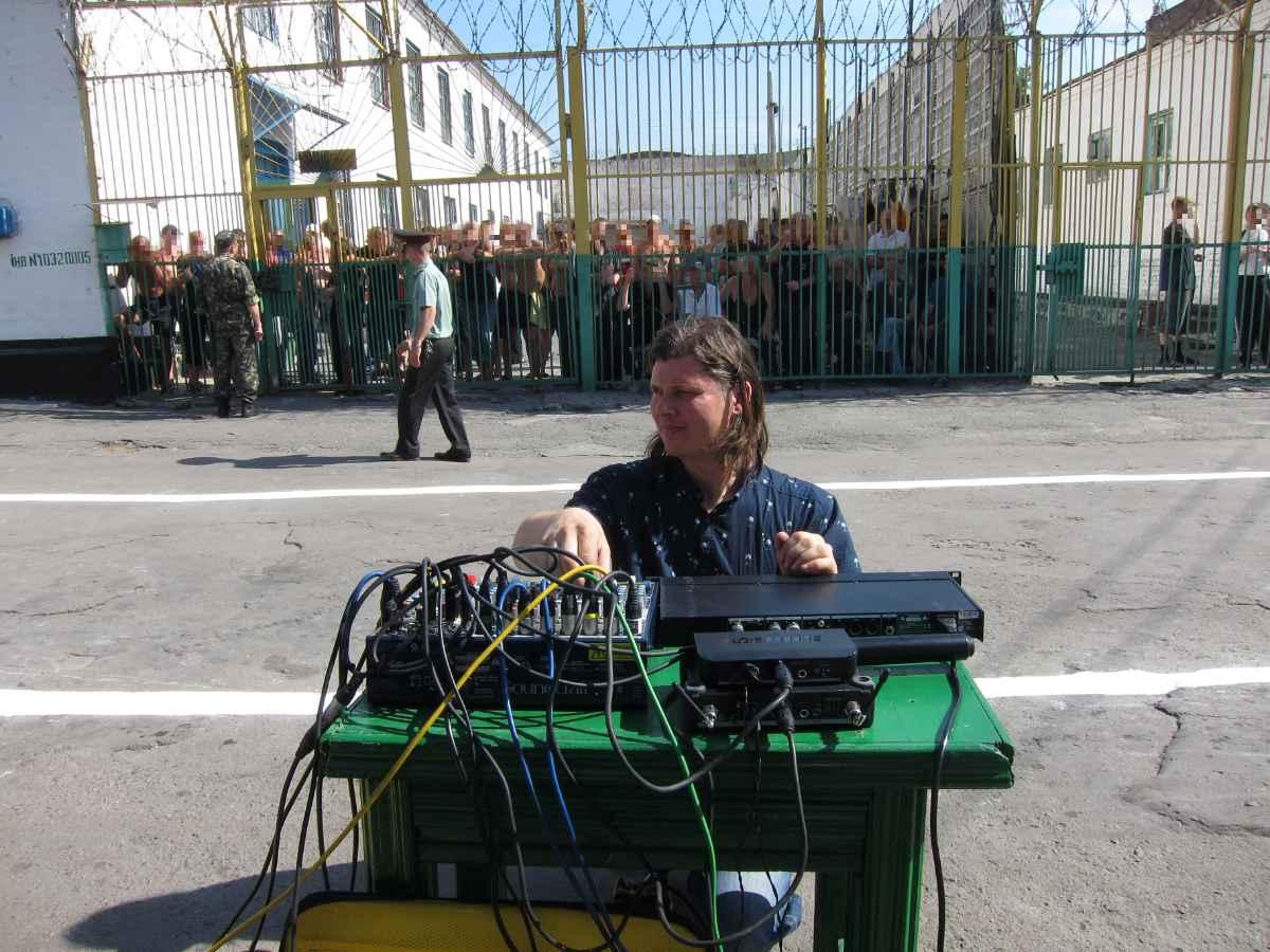 Edijs Veips mixing prison concert in Ukraine